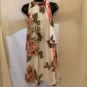 Ladies/ Juniors Signature dress by Robbie Bee Sz 6
